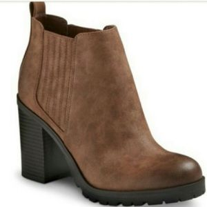 Sam & Libby Deanna Blocked Heel Ankle Boot